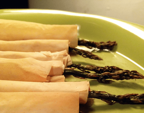Asparagus, Goat Cheese & Prosciutto wrapped asparagus appetizer! Super simple & Delicious!