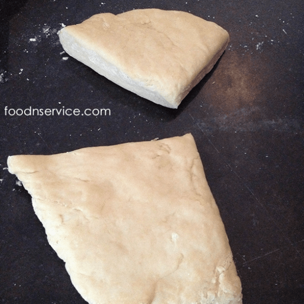 How to make homemade pasta. This is a super easy pasta recipe.
