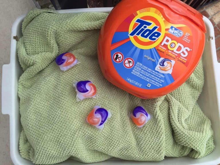 #laundryredefined #ad Tide Pods is revolutionizing how we do laundry! If you live in an apartment complex, like I do, then convenience of doing laundry is a super high priority!