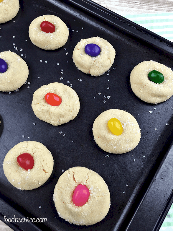 eater sugar cookies with jellybeans 1