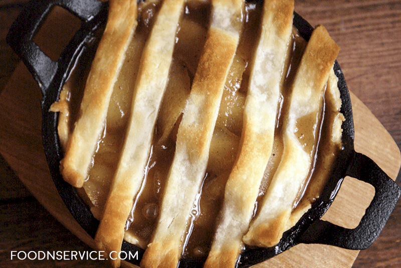 I love baking baking all year long, but especially during the holiday season.I made an amazing cast iron skillet pear tart with a caramel sauce inside!
