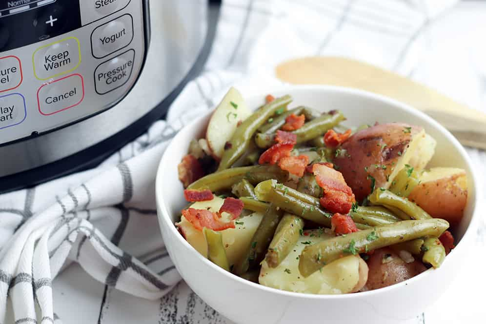 Instant pot green beans and potatoes with bacon by an Instant pot pressure cooker machine