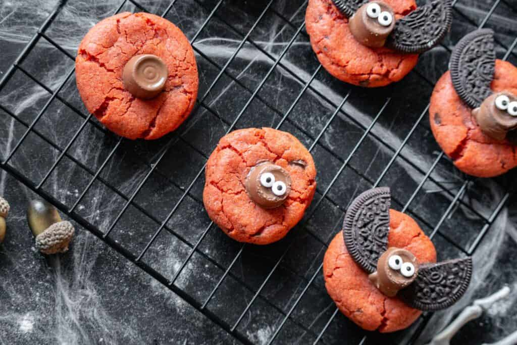 Halloween cookies. Orange bag cookies recipe with oreo cookies and rolo candy
